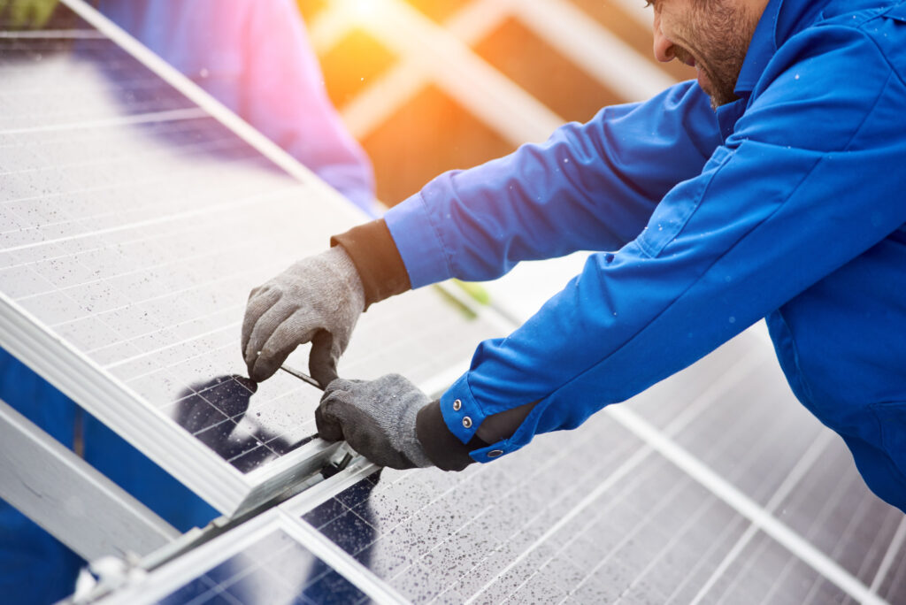 Finding the right people to install solar panels on your roof requires knowing your options. Here is how to pick a solar installer for your home.